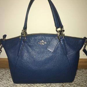 Navy COACH super soft handbag/crossbody